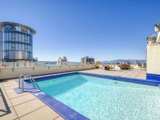 """Photo 17: 905 1250 BURNABY Street in Vancouver: West End VW Condo for sale in """"The Horizon"""" (Vancouver West)  : MLS®# R2525918"""