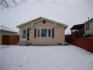 Photo 1: 162 BARNHAM Crescent in Winnipeg: Residential for sale (Canada)  : MLS®# 1202452