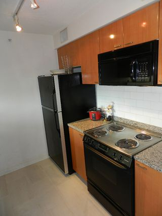 """Photo 15: 1907 1288 W GEORGIA Street in Vancouver: West End VW Condo for sale in """"RESIDENCES ON GEORGIA ST"""" (Vancouver West)  : MLS®# V964948"""