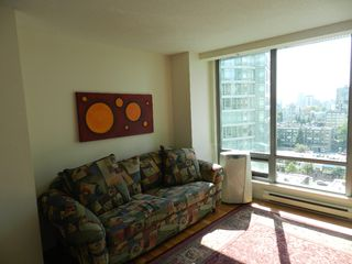 """Photo 5: 1907 1288 W GEORGIA Street in Vancouver: West End VW Condo for sale in """"RESIDENCES ON GEORGIA ST"""" (Vancouver West)  : MLS®# V964948"""