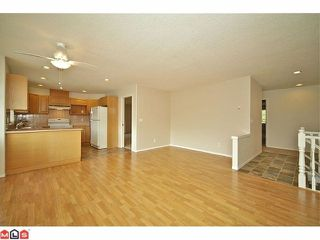 "Photo 4: 259 20391 96TH Avenue in Langley: Walnut Grove Townhouse for sale in ""CHELSEA GREEN"" : MLS®# F1221625"