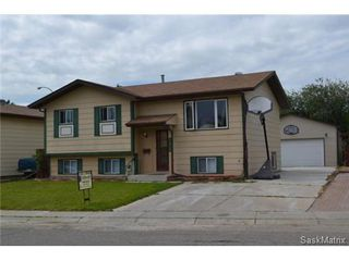 Photo 1: 162 Weyakwin DRIVE in Saskatoon: Lakeview Single Family Dwelling for sale (Saskatoon Area 01)  : MLS®# 468849