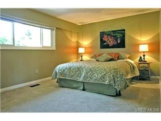 Photo 5:  in VICTORIA: SE Mt Doug Single Family Detached for sale (Saanich East)  : MLS®# 411706