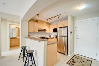 Photo 4: 208 9283 GOVERNMENT STREET in Burnaby: Government Road Condo for sale (Burnaby North)  : MLS®# R2053455