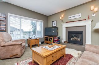 Photo 4: 2190 Longspur Dr in VICTORIA: La Bear Mountain House for sale (Langford)  : MLS®# 785727