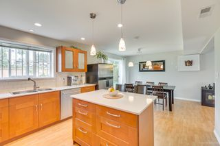 "Photo 10: 681 EASTERBROOK Street in Coquitlam: Coquitlam West House for sale in ""COQUITLAM WEST"" : MLS®# R2403456"