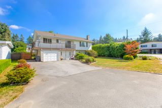 "Photo 3: 681 EASTERBROOK Street in Coquitlam: Coquitlam West House for sale in ""COQUITLAM WEST"" : MLS®# R2403456"