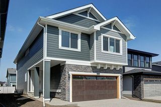 Photo 2: 7270 11 Avenue SW in Calgary: West Springs Detached for sale : MLS®# C4271399