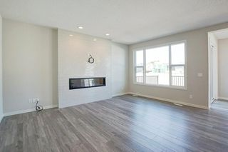 Photo 3: 7270 11 Avenue SW in Calgary: West Springs Detached for sale : MLS®# C4271399