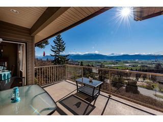 "Photo 10: 1 2842 WHATCOM Road in Abbotsford: Abbotsford East Townhouse for sale in ""FOREST RIDGE"" : MLS®# R2439679"