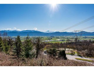"Photo 2: 1 2842 WHATCOM Road in Abbotsford: Abbotsford East Townhouse for sale in ""FOREST RIDGE"" : MLS®# R2439679"