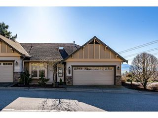 "Photo 1: 1 2842 WHATCOM Road in Abbotsford: Abbotsford East Townhouse for sale in ""FOREST RIDGE"" : MLS®# R2439679"