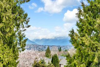 """Main Photo: 217 4255 SARDIS Street in Burnaby: Central Park BS Townhouse for sale in """"Paddington Mews"""" (Burnaby South)  : MLS®# R2446733"""