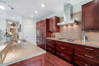 """Photo 4: 202 605 CLYDE Avenue in West Vancouver: Park Royal Condo for sale in """"The Watermark"""" : MLS®# R2457611"""