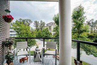 """Photo 13: 202 605 CLYDE Avenue in West Vancouver: Park Royal Condo for sale in """"The Watermark"""" : MLS®# R2457611"""