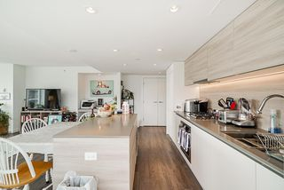 """Photo 10: 601 908 QUAYSIDE Drive in New Westminster: Quay Condo for sale in """"RIVERSKY 1"""" : MLS®# R2507928"""
