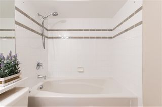 """Photo 18: 1101 183 KEEFER Place in Vancouver: Downtown VW Condo for sale in """"PARIS PLACE"""" (Vancouver West)  : MLS®# R2522486"""