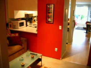 Photo 4: 110 2020 W 8TH AV in Vancouver: Kitsilano Condo for sale (Vancouver West)  : MLS®# V591554