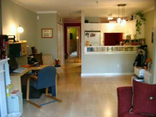 Photo 3: 110 2020 W 8TH AV in Vancouver: Kitsilano Condo for sale (Vancouver West)  : MLS®# V591554