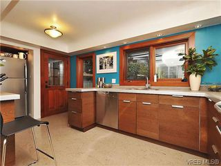 Photo 6: 1947 Runnymede Avenue in VICTORIA: Vi Fairfield East Residential for sale (Victoria)  : MLS®# 318196