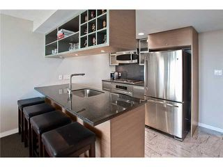 Photo 3: 3005 833 SEYMOUR Street in Vancouver: Downtown VW Condo for sale (Vancouver West)  : MLS®# V981334