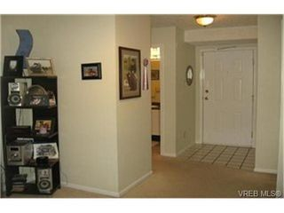 Photo 7: VICTORIA REAL ESTATE = BURNSIDE CONDO HOME Sold With Ann Watley! (250) 656-0131