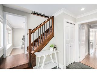 "Photo 10: 5285 WINDSOR Street in Vancouver: Fraser VE House for sale in ""GREAT FAMILY NEIGHBORHOOD!"" (Vancouver East)  : MLS®# V1075023"