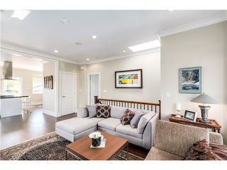 "Photo 4: 5285 WINDSOR Street in Vancouver: Fraser VE House for sale in ""GREAT FAMILY NEIGHBORHOOD!"" (Vancouver East)  : MLS®# V1075023"