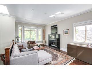"Photo 2: 5285 WINDSOR Street in Vancouver: Fraser VE House for sale in ""GREAT FAMILY NEIGHBORHOOD!"" (Vancouver East)  : MLS®# V1075023"
