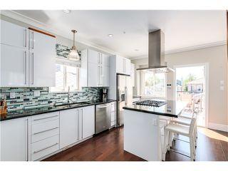 "Photo 5: 5285 WINDSOR Street in Vancouver: Fraser VE House for sale in ""GREAT FAMILY NEIGHBORHOOD!"" (Vancouver East)  : MLS®# V1075023"