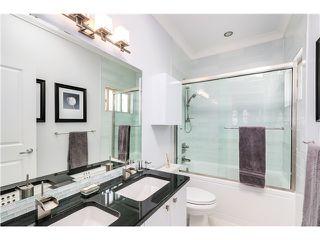 "Photo 9: 5285 WINDSOR Street in Vancouver: Fraser VE House for sale in ""GREAT FAMILY NEIGHBORHOOD!"" (Vancouver East)  : MLS®# V1075023"