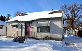 Photo 1: 47 Kingswood: Residential  : MLS®# 15003876