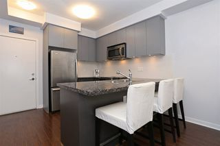 Photo 7: 209 6420 194 ST in Surrey: Cloverdale BC Condo for sale (Cloverdale)  : MLS®# R2103794