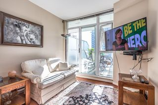 Photo 9: 301 4028 KNIGHT STREET in Vancouver: Knight Condo for sale (Vancouver East)  : MLS®# R2116326