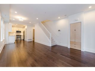 Photo 4: 329 E 7TH Avenue in Vancouver: Mount Pleasant VE Townhouse for sale (Vancouver East)  : MLS®# R2428671