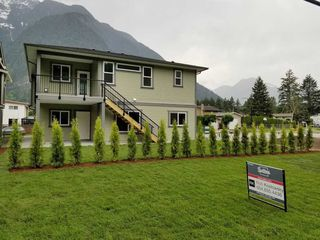 "Photo 18: 65535 SKYLARK Lane in Hope: Hope Kawkawa Lake House for sale in ""Wildflowers on Skylark Lane"" : MLS®# R2441174"
