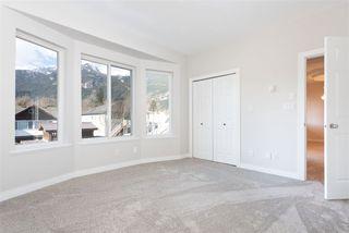 Photo 6: 38783 GARIBALDI Avenue in Squamish: Dentville House for sale : MLS®# R2447325