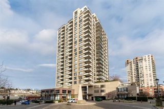 """Photo 36: 8 1 RENAISSANCE Square in New Westminster: Quay Townhouse for sale in """"Q"""" : MLS®# R2454289"""