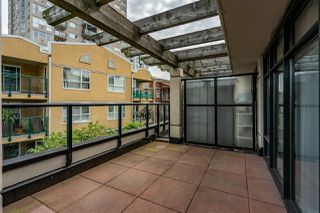 """Photo 26: 8 1 RENAISSANCE Square in New Westminster: Quay Townhouse for sale in """"Q"""" : MLS®# R2454289"""