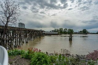 """Photo 30: 8 1 RENAISSANCE Square in New Westminster: Quay Townhouse for sale in """"Q"""" : MLS®# R2454289"""