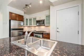 """Photo 6: 8 1 RENAISSANCE Square in New Westminster: Quay Townhouse for sale in """"Q"""" : MLS®# R2454289"""