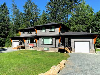 Photo 1: 3156-3166 SLINGSBY Pl in : Sk Otter Point Full Duplex for sale (Sooke)  : MLS®# 850757