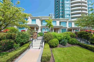 Main Photo: TH4 6659 SOUTHOAKS Crescent in Burnaby: Highgate Townhouse for sale (Burnaby South)  : MLS®# R2483223