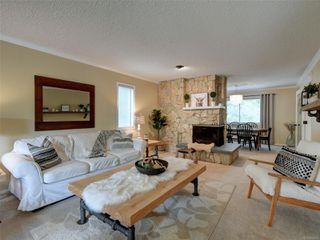 Photo 4: 4406 Hilton Pl in : SE Gordon Head House for sale (Saanich East)  : MLS®# 855925