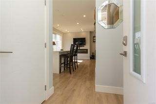 Photo 3: 102 3314 RADIANT Way in : La Happy Valley Row/Townhouse for sale (Langford)  : MLS®# 858066