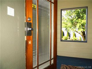 Photo 2: 1009 Tolmie Avenue in VICTORIA: Vi Mayfair Single Family Detached for sale (Victoria)  : MLS®# 322038