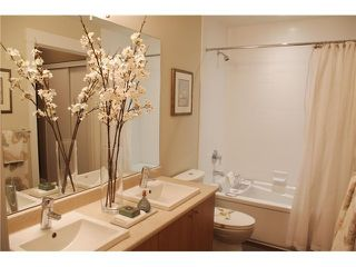 """Photo 5: 202 85 8 Avenue in New Westminster: GlenBrooke North Condo for sale in """"EIGHT WEST"""" : MLS®# V1003447"""