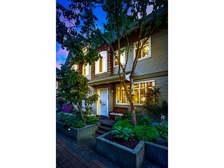"Photo 2: 2856 E KENT Avenue in Vancouver: Fraserview VE Townhouse for sale in ""LIGHTHOUSE TERRACE"" (Vancouver East)  : MLS®# V1074402"