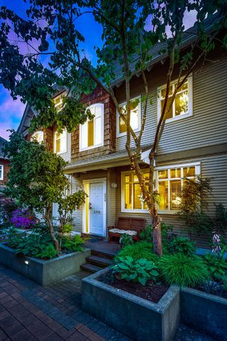 """Photo 2: 2856 E KENT Avenue in Vancouver: Fraserview VE Townhouse for sale in """"LIGHTHOUSE TERRACE"""" (Vancouver East)  : MLS®# V1074402"""