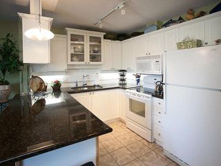 "Photo 5: 327 19750 64 Avenue in Langley: Willoughby Heights Condo for sale in ""The Davenport"" : MLS®# F1418142"
